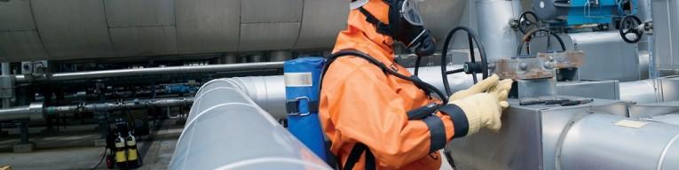 Werken met onafhankelijke ademlucht tijdens het uitvoeren van een reparatie